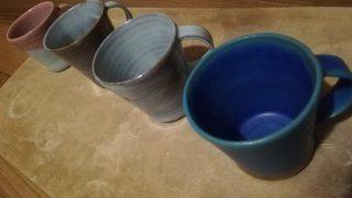 オリジナルのマグカップをたまには並べてみた。